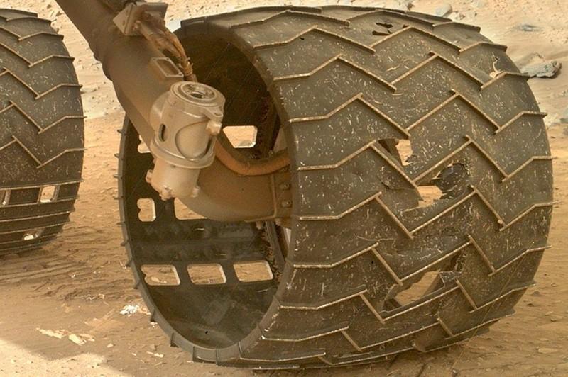 Износ одного из колёс Кьюриосити