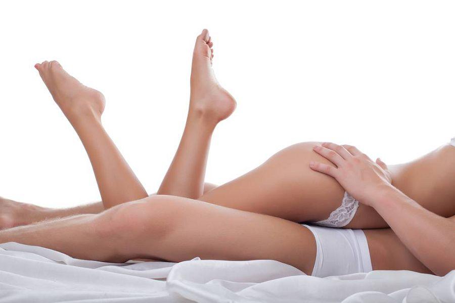 dve-krasotki-zanyalis-lesbiyskim-seksom