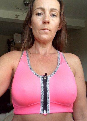 Грудь женщины начала гнить после вставки имплантатов