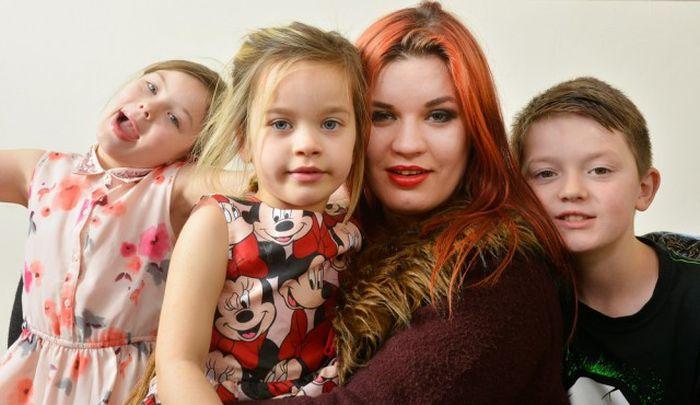 Мать троих детей стала известной фетиш-моделью