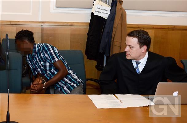 Сомалийский иммигрант изнасиловал двух парализованных немцев