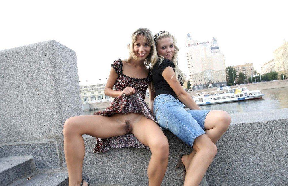 porno-foto-bez-trusov-na-ulitse