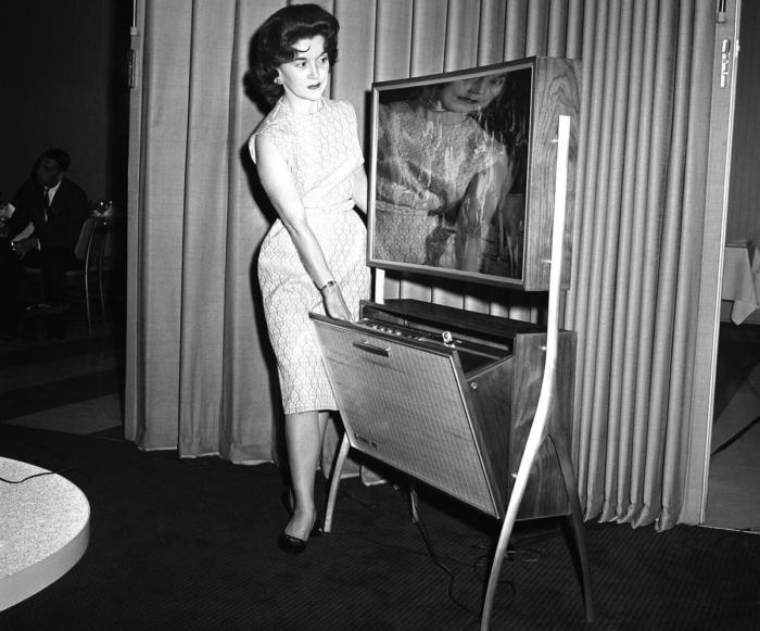 Концепт телевизора с функцией записи телепередач, 1961 год, Чикаго, США