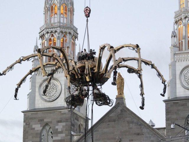 Гигантские роботы La Machine в Канаде