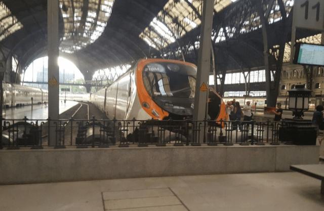В Барселоне электричка врезалась в тупик, пострадали 48 человек
