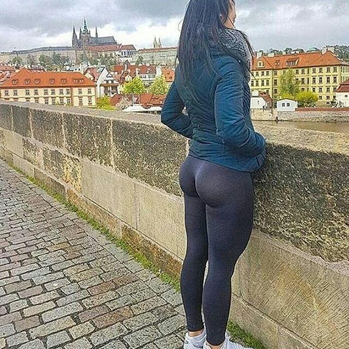 Русские девушки в облегающих штанах — pic 14