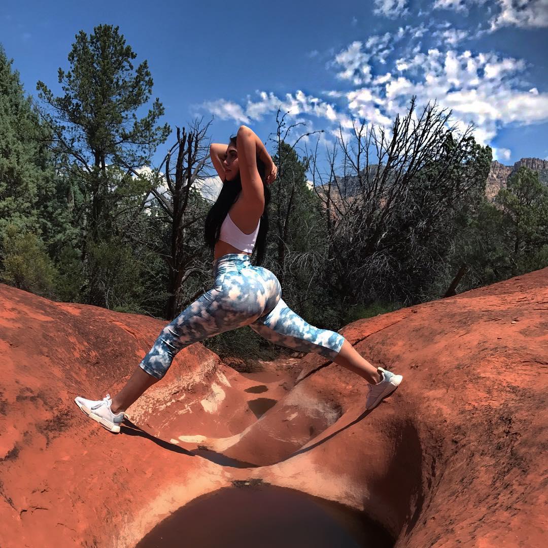 Йога шагает по планете