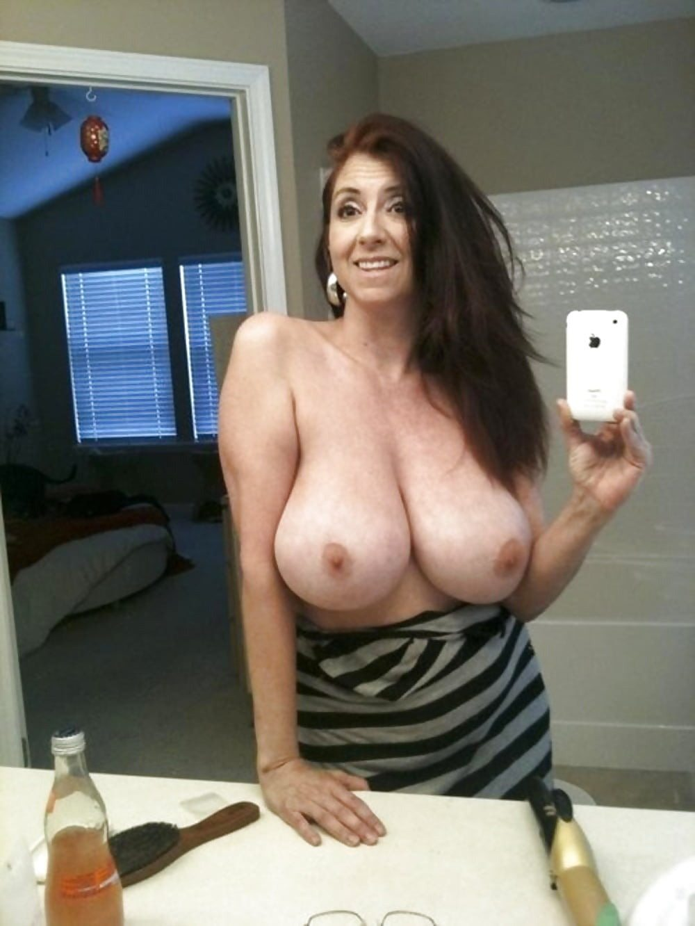 trophy-wives-with-huge-breasts-naked-austrailian-girl