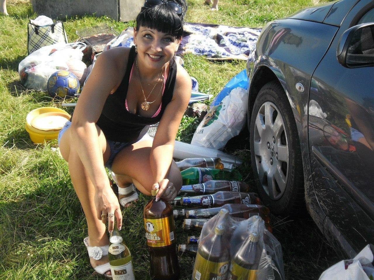 Пьяные подруги жены, Пьяная подруга жены: порно видео онлайн, смотреть 27 фотография
