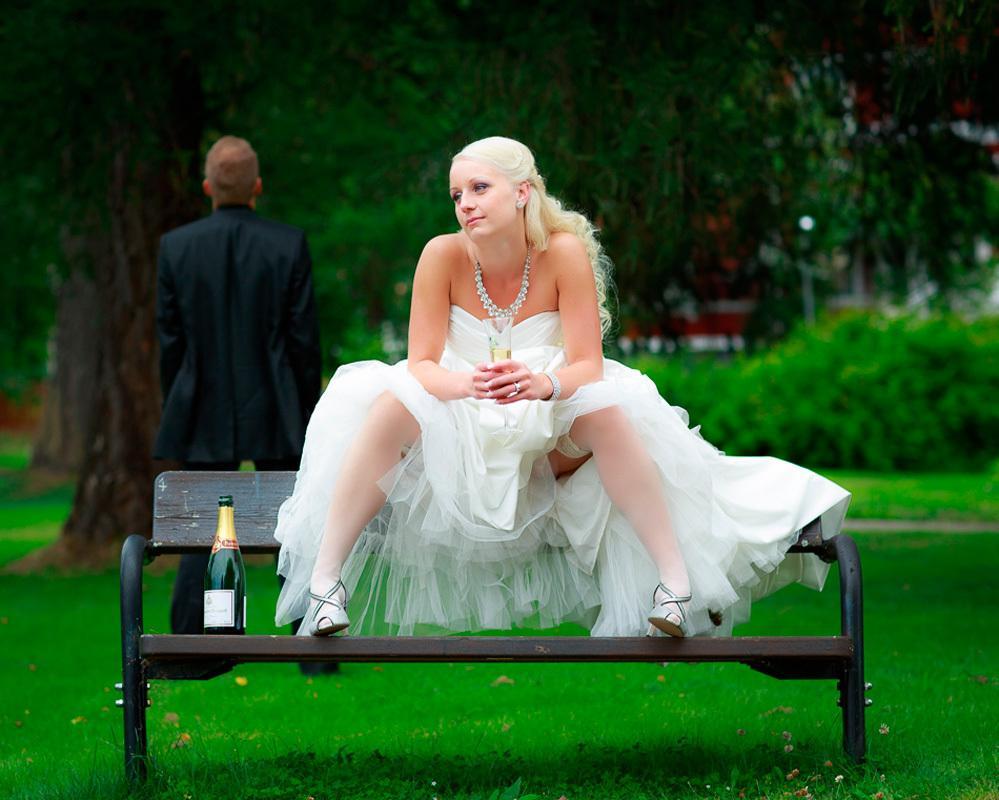 Смотреть как ебутся молодожены до свадьбы, подергала за член руками