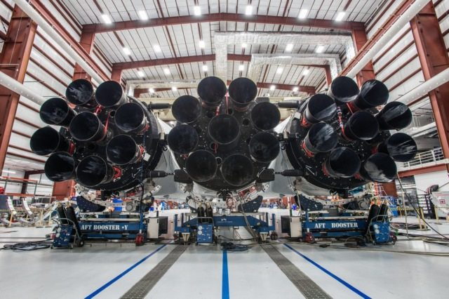 Сверхтяжёлая ракета Falcon Heavy от SpaceX