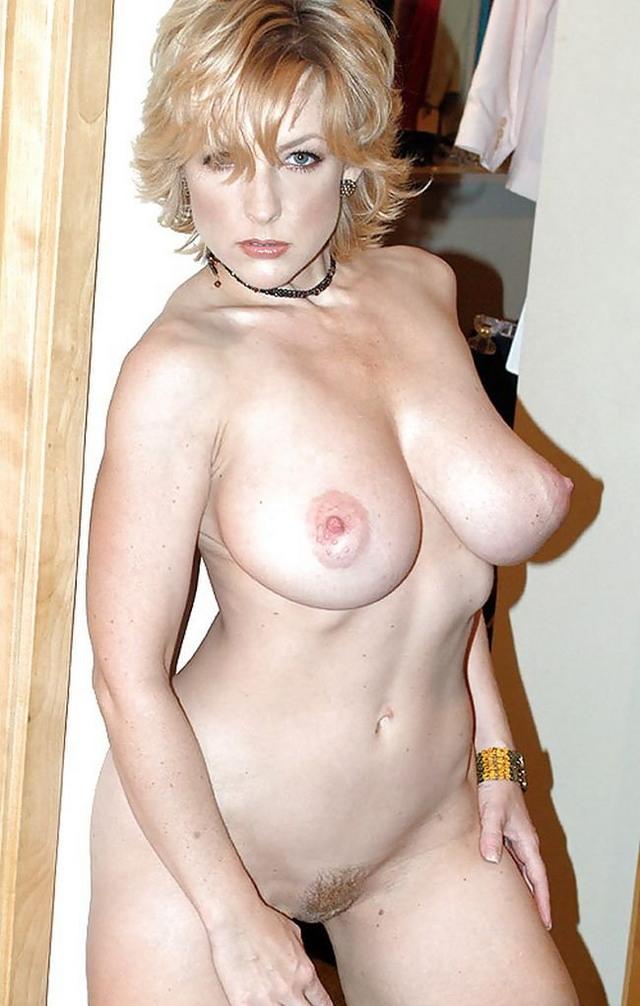Фото архив зрелых голых женщин, фото и видеоролики голые девушки на эротическом массаже