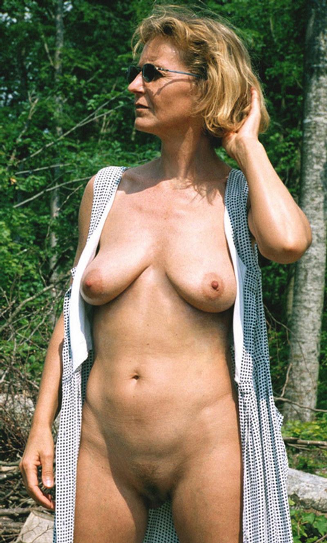 Amature mature nude women pictures