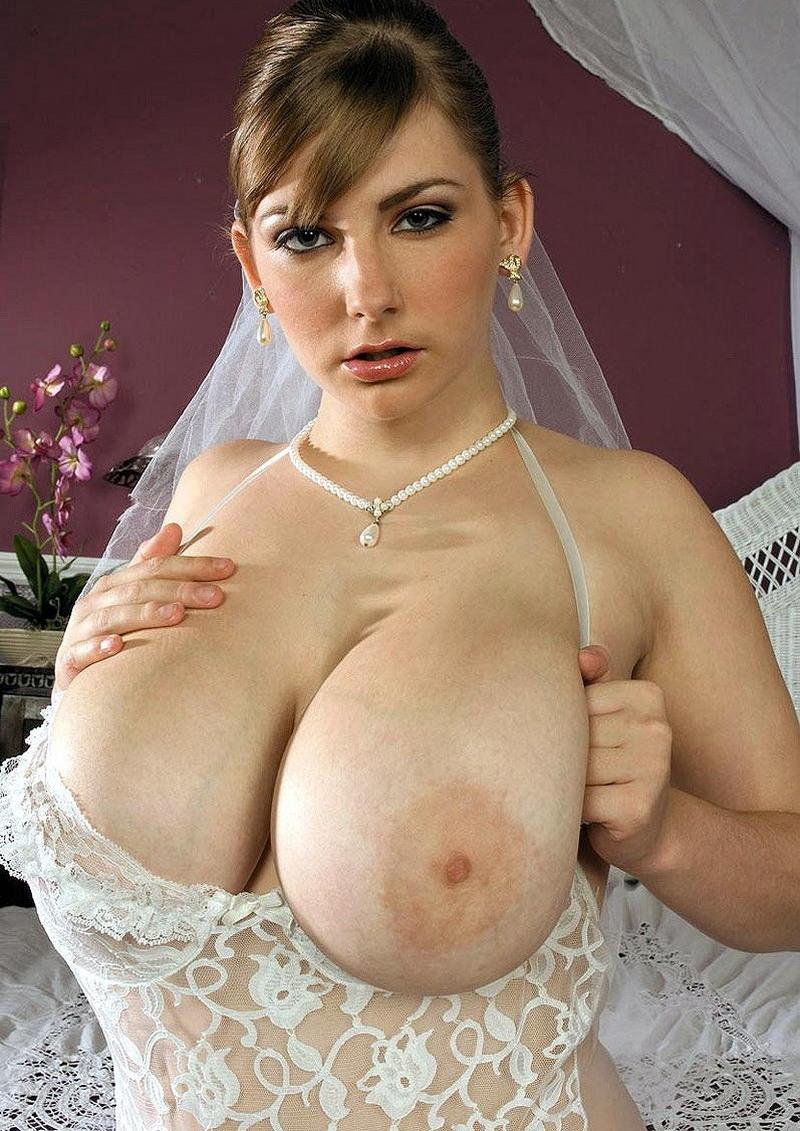 Kristy gazes breasts