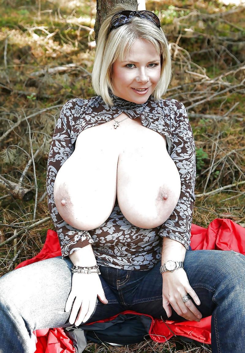 фото больших зрелых груди загоняет