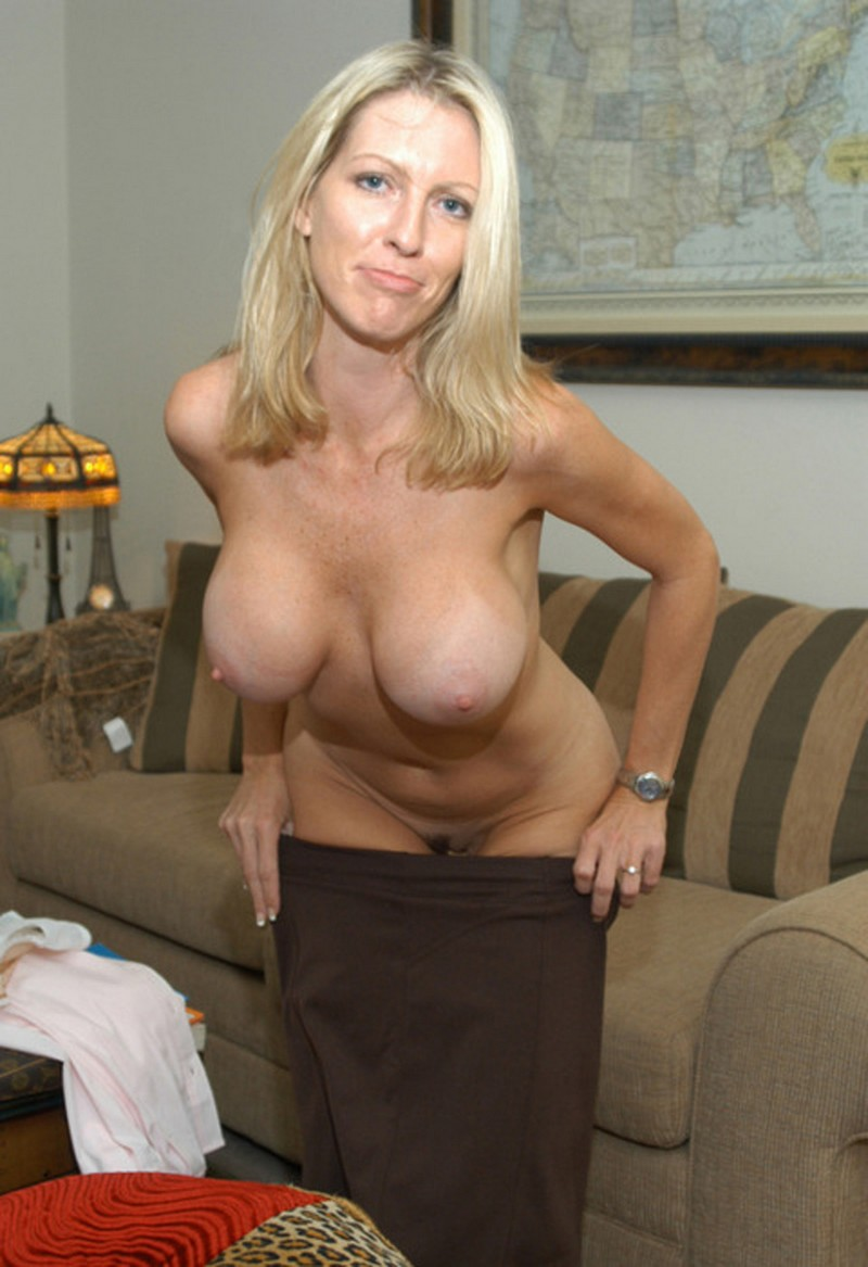 Topless Busty Mature