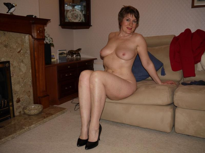 Домашние фотографии голых зрелых женщин, женщины с большой жопой в групповом сексе видео