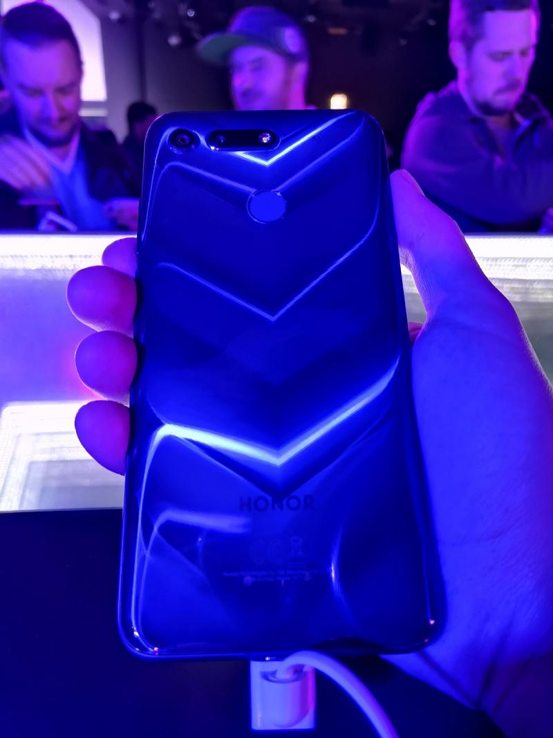 Презентация Honor View 20